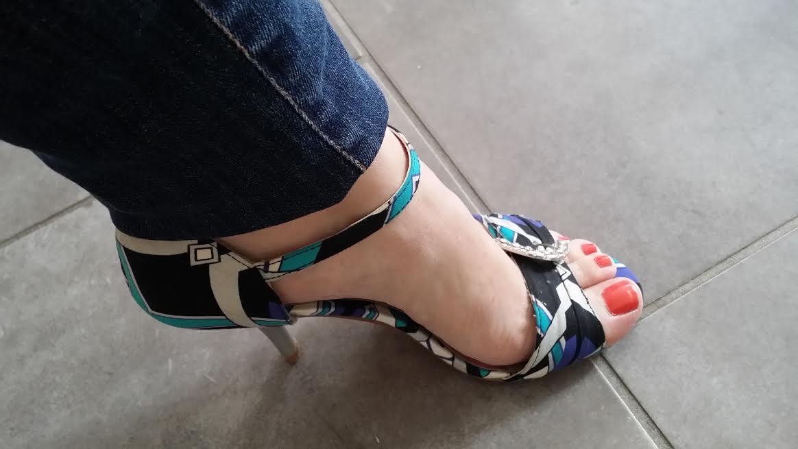 De jolis pieds pour l 39 t - Pied vernis rouge ...