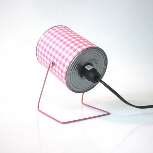 Diy objets d co utiles et faciles avec une boite de conserve le webzine - Lampe avec boite de conserve ...