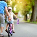 Comment apprendre à votre enfant à faire du vélo